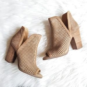 Lucky Brand 7W Larise Perforated Peep Toe Bootie